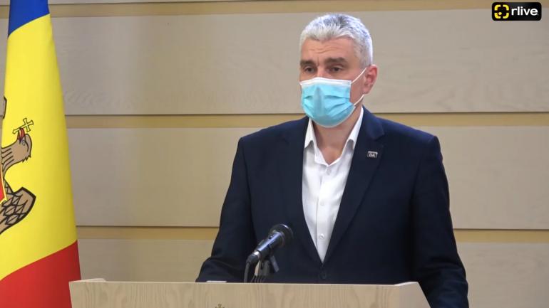 """Vicepreședintele Parlamentului Alexandru Slusari susține declarații de presă privind situația de la """"Calea Ferată a Moldovei"""""""