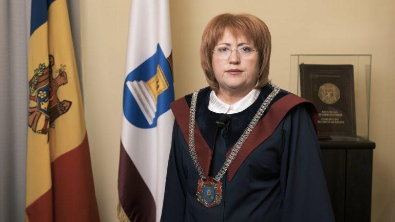 Președintele Curții Constituționale, Domnica Manole susține un briefing de presă