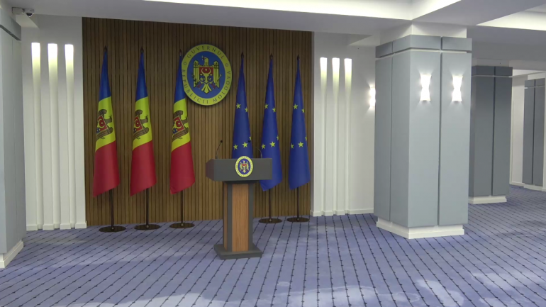 Prim-ministrul Natalia Gavrilița și șeful ASP, Mircea Eșanu, susțin un briefing de presă