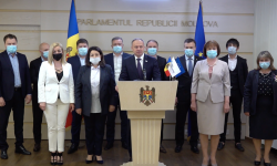 """Grupul parlamentar """"PRO MOLDOVA"""" susține o conferință de presă"""