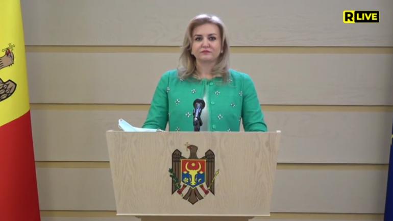 """Deputata Platformei parlamentare """"Pentru Moldova"""", Ruxanda Glavan, susține un briefing de presă"""