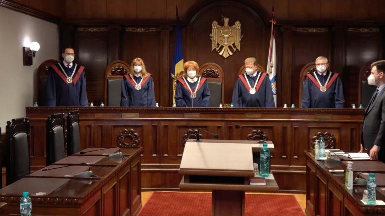Curtea Constituțională examinează sesizările privind declararea stării de urgență în Republica Moldova