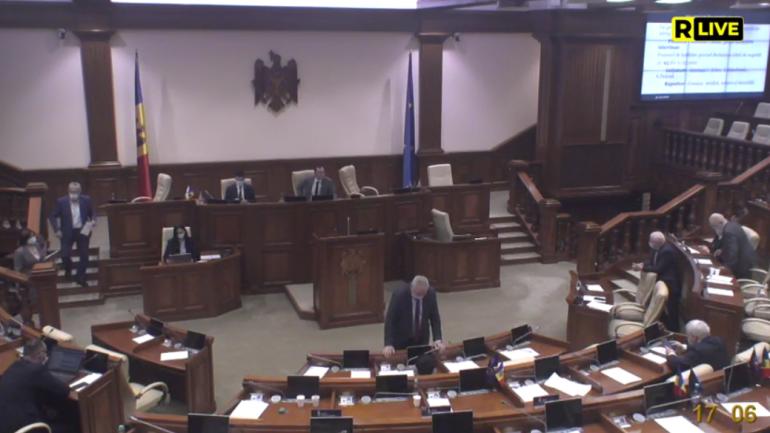 Ședința Parlamentului partea a II. Deputații își exprimă votul privind instaurarea stării de urgență
