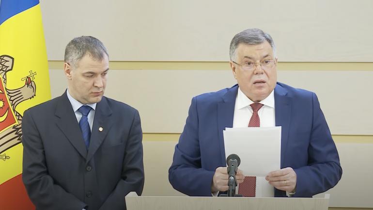 Iurie Reniță și Octavian Țîcu, declarații de presă la Parlament