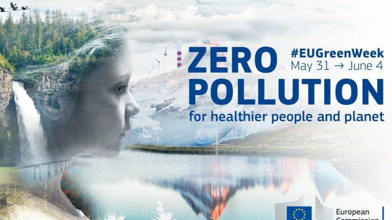 """Masă rotundă cu genericul """"Zero poluare pentru oameni mai sănătoși și o planetă mai sănătoasă"""""""