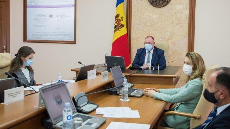 Membrii Cabinetului de Miniștri se întrunesc în ședința din 16 iunie 2021