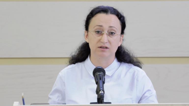 """Deputata fracțiunii ACUM/Platforma DA, Inga Grigoriu prezintă raportul Comisiei de anchetă """"Laundromat"""""""