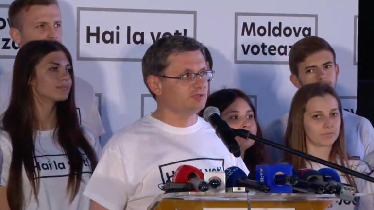 Briefing organizat de Partidul Acțiune și Solidaritate (PAS), după închiderea secțiilor de votare
