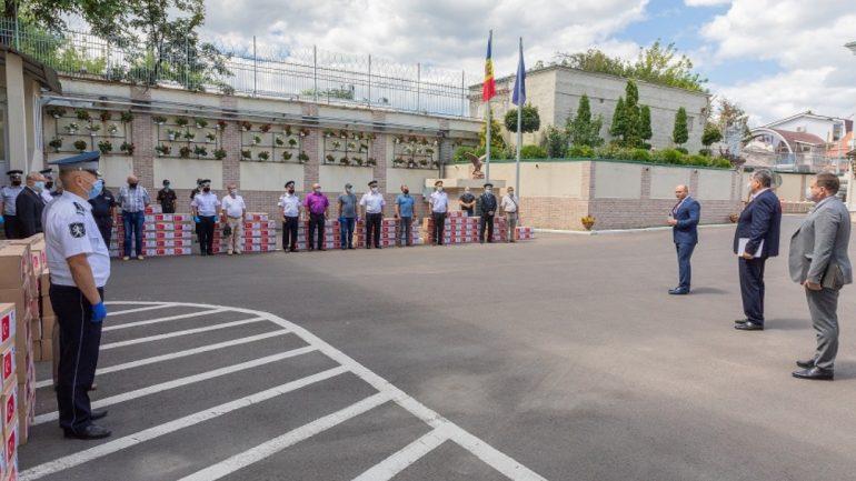 Ceremonia de transmitere Ministerului Afacerilor Interne a unui ajutor umanitar destinat familiilor veteranilor și eroilor căzuți la datorie