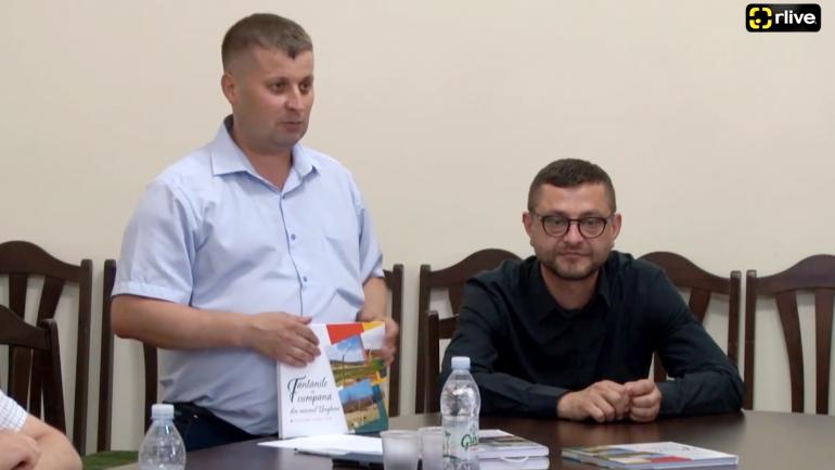 """Lansarea cărții """"Fântânile cu cumpănă din raionul Ungheni, izvoarele sper cer"""""""