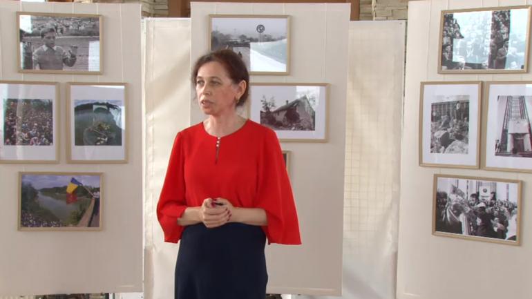 """Deschiderea expoziției de fotografie documentară """"Drumul Independenței"""" dedicat celebrării a 30 ani de Independență a Republicii Moldova"""