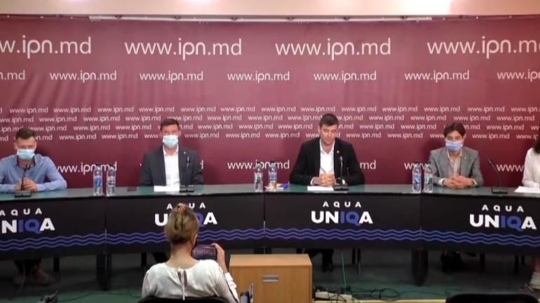 """Conferință de presă cu genericul """"Discriminarea cadrelor didactice în contextul pandemiei COVID-19"""""""