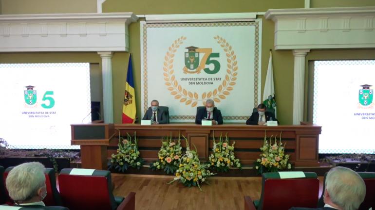 Adunarea festivă dedicată aniversării a 75 de ani a Universității de Stat din Moldova