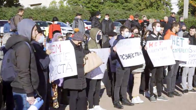 Protest la Judecătoria Ciocana: Procurorii solicită 30 de zile de arest pe numele lui Alexandr Stoianoglo