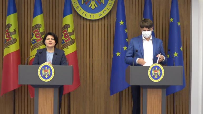 Briefing de presă susținut de premierul Natalia Gavrilița și ministrul Infrastructurii și Dezvoltării Regionale, Andrei Spînu