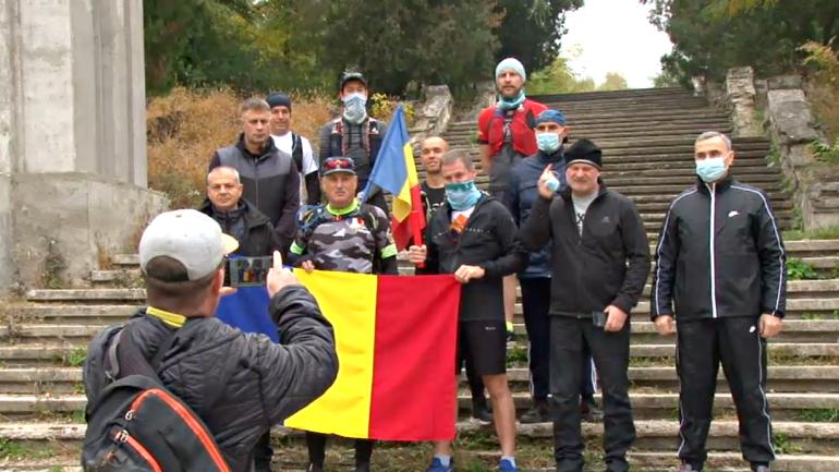 """Alergătorii din R. Moldova participă, în premieră, la ultramaratonul """"Ștafeta Veteranilor"""""""